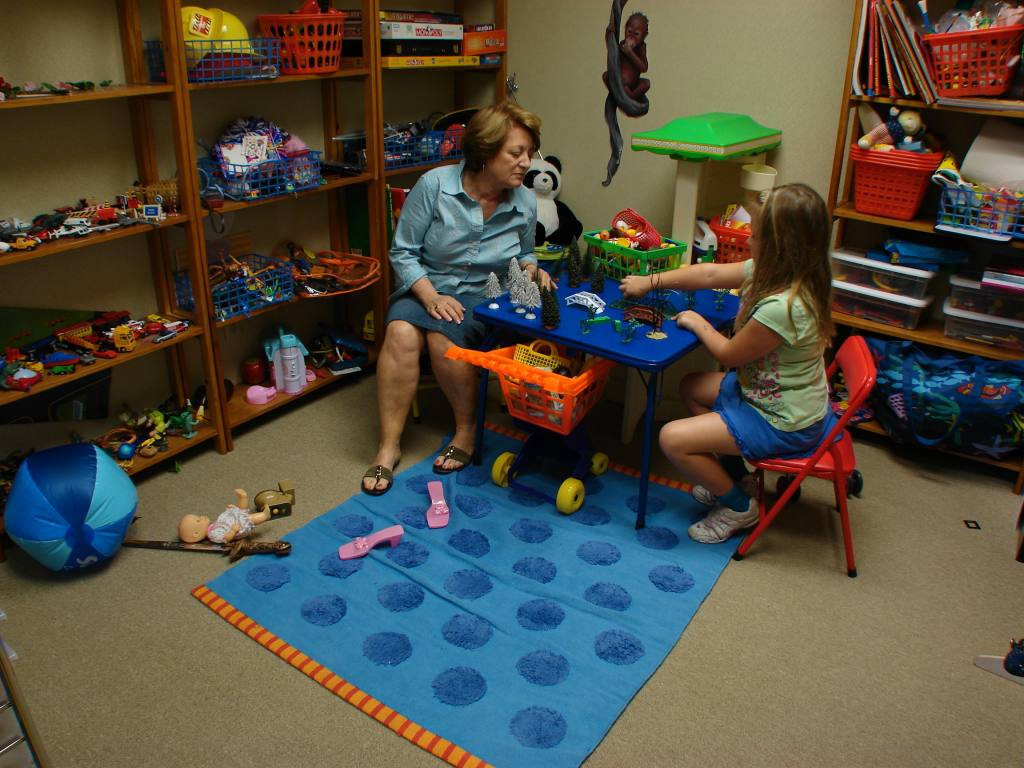 Play Therapy Toys : Lindapiantieri about play therapy